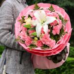 珍重万千--19枝粉康乃馨+2枝多头白百合