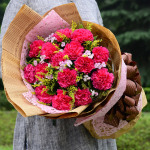 母愛深深-11枝紅色康乃馨花束