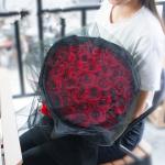 33朵黑纱红玫瑰花束—眷倾三世
