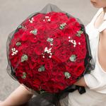浪漫之心-99朵紅玫瑰黑紗花束