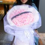 52朵粉红雪山玫瑰