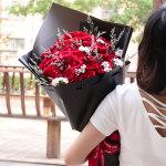 浪漫的思恋-33朵红玫瑰花束