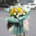 感今怀昔-6朵向日葵香槟玫瑰混搭花束;