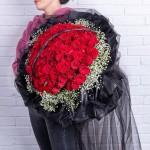 满心欢喜-99枝红玫瑰黑纱花束