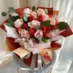 甜甜的爱-19颗草莓+11朵粉红雪山韩式花束