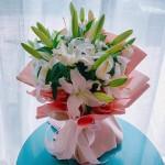 粉嫩佳人-5枝多頭白百合花束