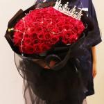 深爱不弃-99朵黑纱款红玫瑰鲜花花束