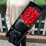 手心呵护-19朵红玫瑰礼盒