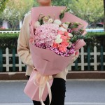 情真意切-9朵戴安娜绣球韩式花束