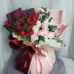 王子与公主-33朵玫瑰混搭花束