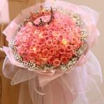 把你宠成女王-99朵粉玫瑰皇冠花束