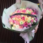 不变的心-52朵玫瑰混搭花束
