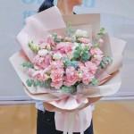 岁月如歌-康乃馨韩式混搭花束
